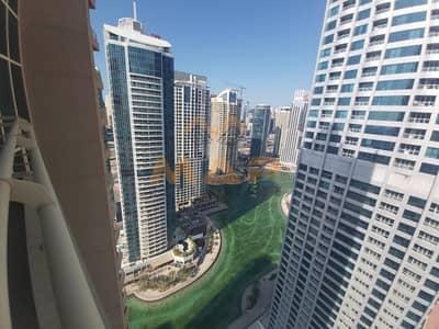 شقة 2 غرفة نوم للايجار في أبراج بحيرات الجميرا، دبي - Huge 2bhk on high floor with balcony close to metro
