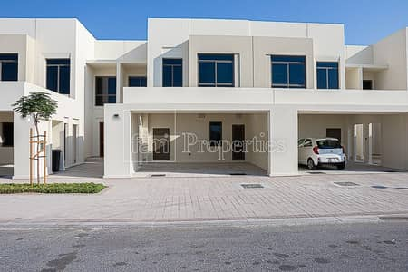 3 Bedroom Townhouse for Sale in Town Square, Dubai - Single row on Green Belt/3 Bed +maids