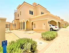 Single Row!!! 3 Bed + Maid End Unit   Landscaped