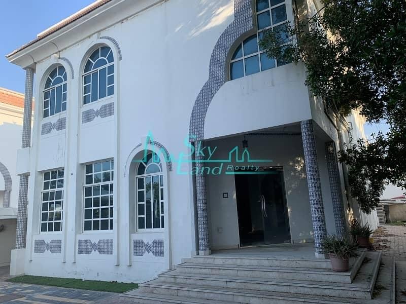 Large Commercial Villa