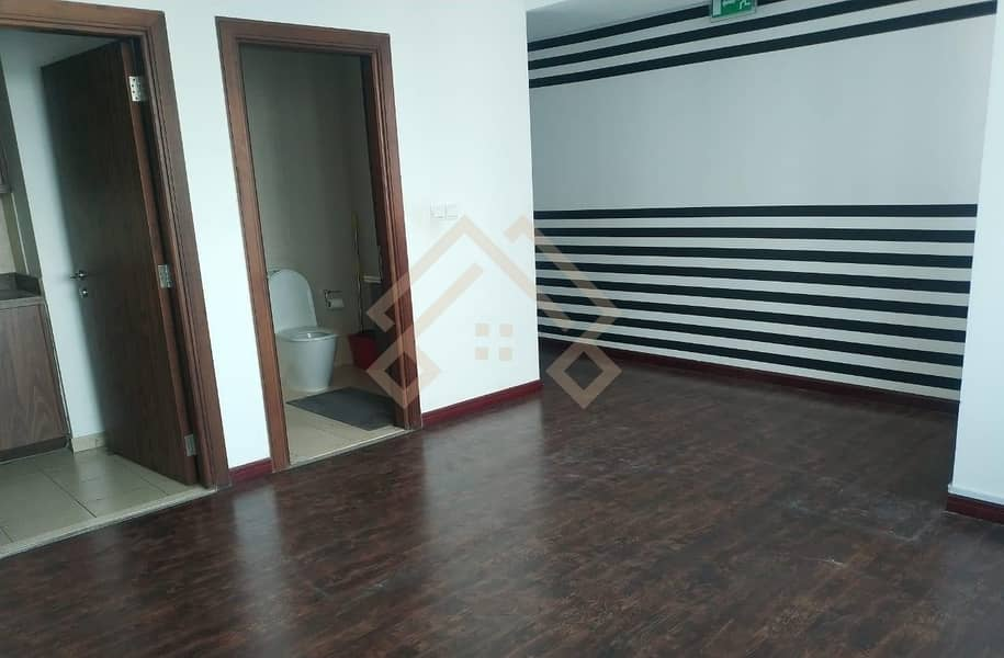 10 Brand New Amazing View  Fully Fitted office For rent.