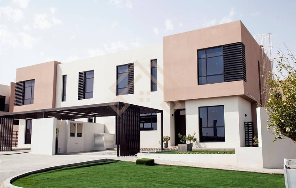 2 Brand new !!Near Ready 4 Bedroom Plus Maid Room Villa - with Free service charge for lifetime.