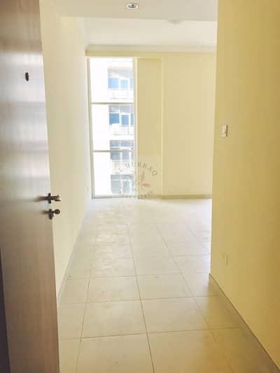 استوديو  للايجار في الخليج التجاري، دبي - Studio In Scala Tower Available for rent with huge terrace
