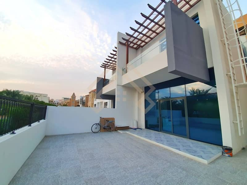 2 Beautiful   4 Bedroom VILLA FOR SALE..