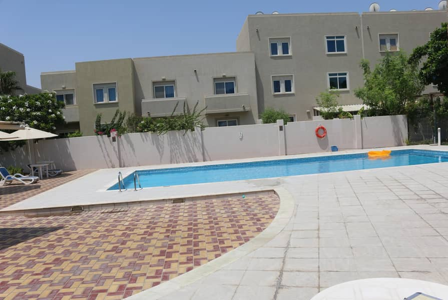 11 Amazing Villa Single Row - Well Located in Reef