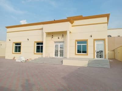 4 Bedroom Villa for Rent in Al Khawaneej, Dubai - New first resident villa for rent in Al Khawaneej Al Thaniya (4 master bedrooms + big hall + majlis + laundry room + large kitchen + garden + parking)