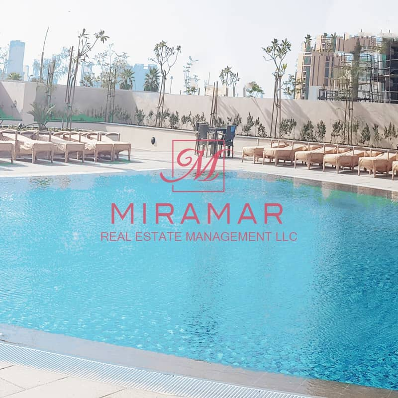 LARGE UNIT WITH BALCONY!!! HIGH FLOOR!! SEA VIEW!