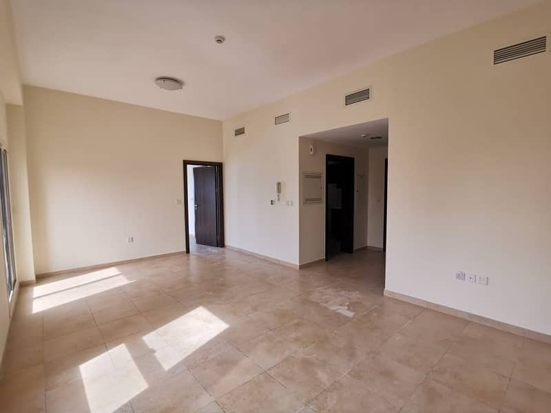 2 1BR Closed Kitchen With Big Terrace