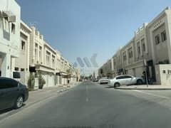 فیلا في أبو هيل ديرة 3 غرف 72000 درهم - 4928864