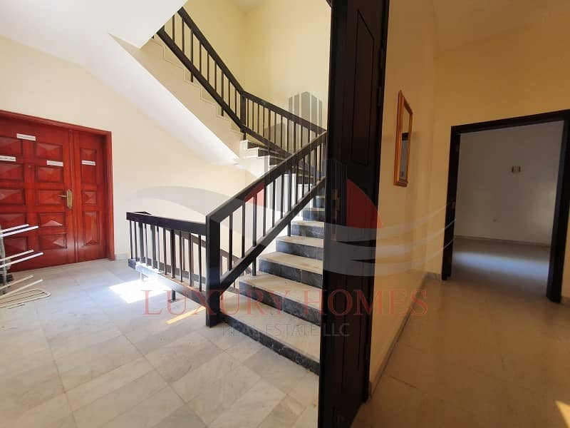 31 Well Maintained Bright and Clean Near Jimi Mall