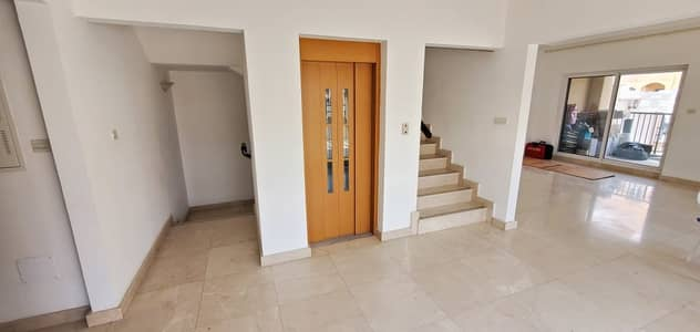 3 BR with Lift & Maid Room Villa