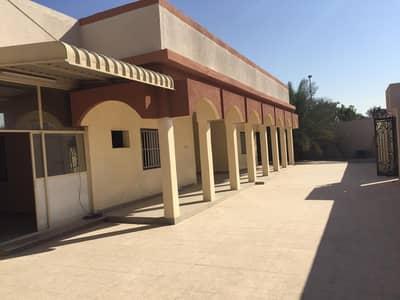 4 Bedroom Villa for Rent in Al Shahba, Sharjah - 4 bedroom hall villa for rent in Al Shahba