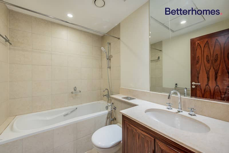 14 Private terrace | Upgraded flooring | Boulevard view