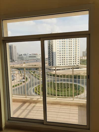 Close To Blue Mart Large 1 bedroom 2 Baths Balcony Parking  Laundry Queue Point Liwan.