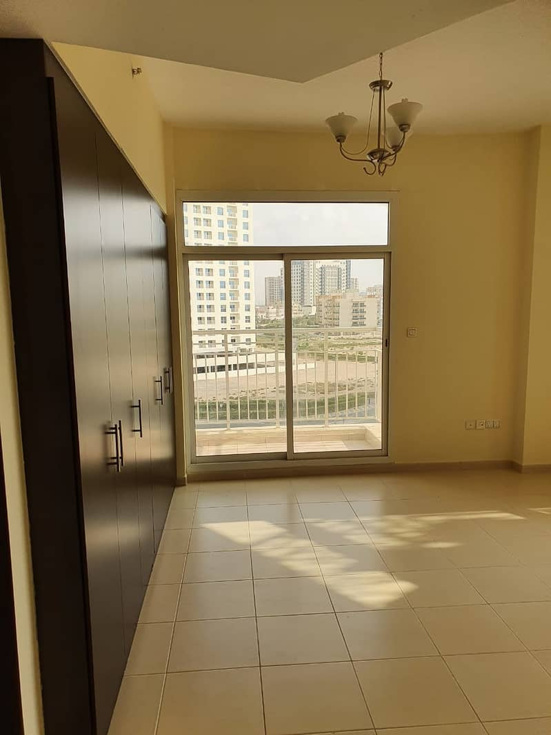 2 Close To Blue Mart Large 1 bedroom 2 Baths Balcony Parking  Laundry Queue Point Liwan.