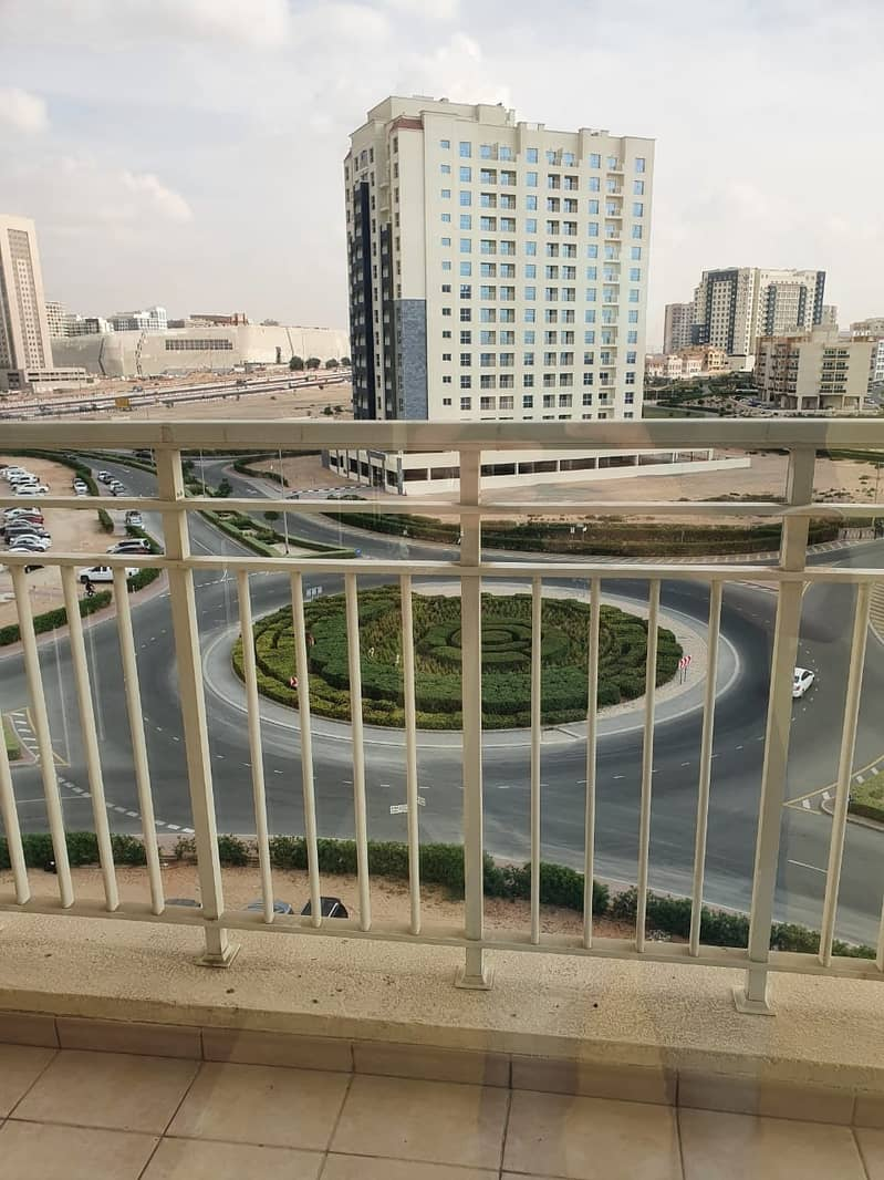 10 Close To Blue Mart Large 1 bedroom 2 Baths Balcony Parking  Laundry Queue Point Liwan.
