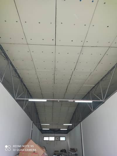 Warehouse for Rent in Al Quoz, Dubai - 1 MONTHH FREE - NO 20% DREC TAX - READY WAREHOUSE 2000 SQ FT 40,000 AED PLUS ONE TIME OTHER CHARGES.