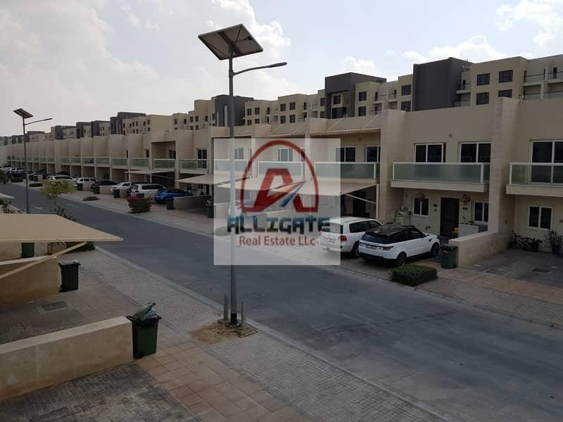 2 Warsan Village   3bed + maid   Vacant on transfer