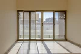 شقة في منطقة الرولة 2 غرف 32000 درهم - 4478768