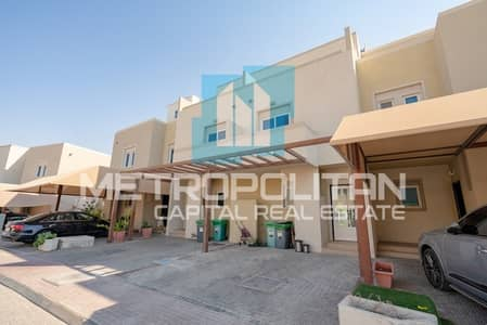 2 Bedroom Villa for Sale in Al Reef, Abu Dhabi - Luxurious Layout | Private Garden| Great Community
