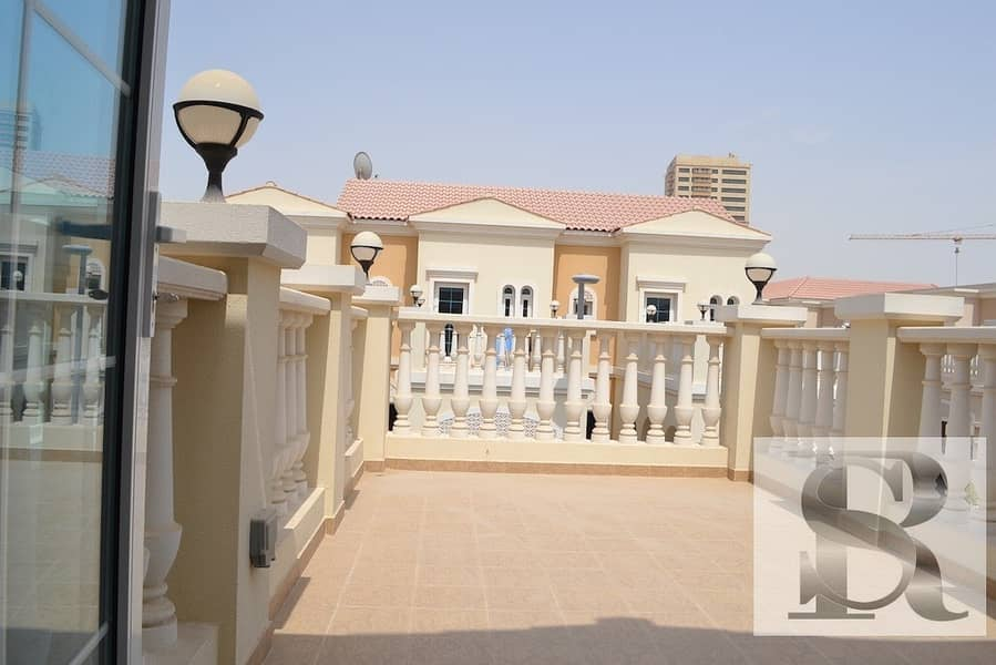 12 1 BR TOWNHOUSE WITH PRIVATE GARDEN | RENTED AND CONVERTED TO 2 BR