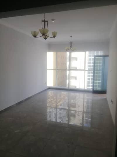 شقة 3 غرف نوم للايجار في المجاز، الشارقة - ثلاث غرف وصالة أول ساكن للايجار في منطقة المجاز 2_ الشارقة مع موقف مجاناً
