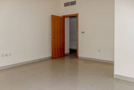 1 Bedroom Flat for Rent in Al Musalla, Sharjah - Spacious 1 BHK Highly maintained apartments  No Commission (Direct from the Landlord)