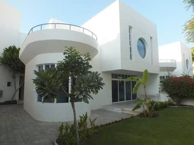فيلا مجمع سكني 4 غرف نوم للايجار في جميرا، دبي - compound 4bhk villa with garden in Jumeirah 1 rent is 230k