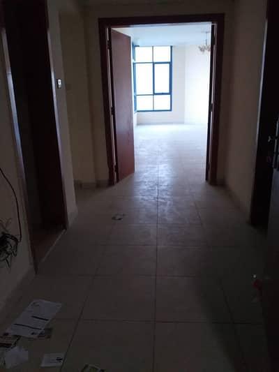 شقة في أبراج الخور عجمان وسط المدينة 3 غرف 37000 درهم - 4932159