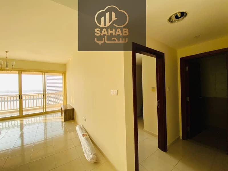 12 Wonderful apartment with direct sea view .