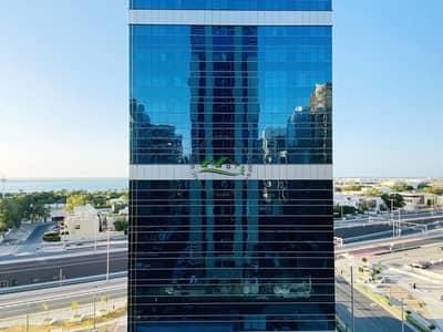 فلیٹ 1 غرفة نوم للايجار في منطقة النادي السياحي، أبوظبي - Brand New! Lavish 1 BR Apt.  With Full Sea View On Corniche
