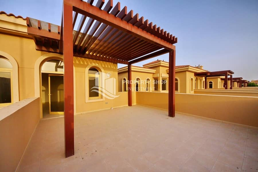 2 Gorgeous Huge 4+Maid Villa with Private Pool!
