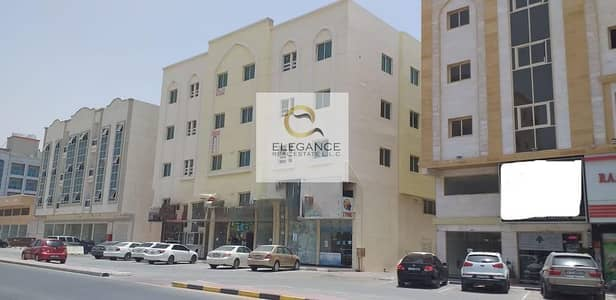 مبنى سكني  للبيع في المويهات، عجمان - بناية للبيع في المويهات  عجمان