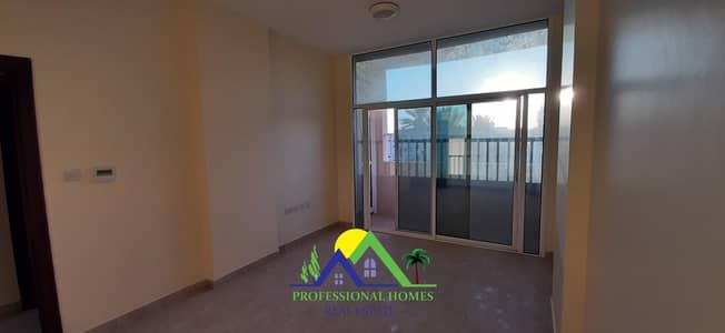 Clean main road view 2Bedrooms flat in Markhaniyyah