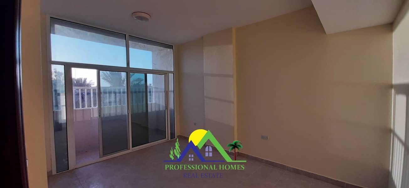 2 Clean main road view 2Bedrooms flat in Markhaniyyah