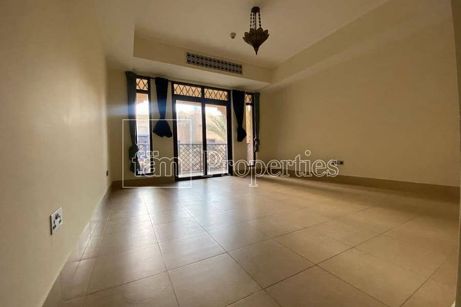 2 CHILLER FREE 2BD in Old Town with Garden View