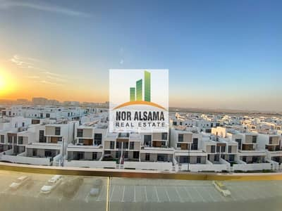 2 Bedroom Flat for Rent in Dubai South, Dubai - HURRY UP SPACIOUS 2 BEDROOM BRAND NEW WITH POOL GYM AND PARKING 35000