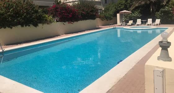 very nice 4 bedroom compound villa with shared pool/pvt garden jumeirah