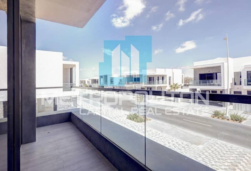 Balcony| Prestigious Features | Spacious Layout