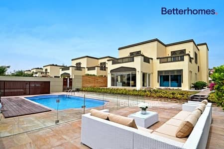 5 Bedroom Villa for Rent in Jumeirah Park, Dubai - Luxuriously Upgraded & Furnished | Mid January