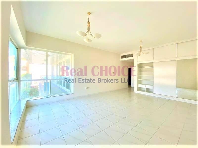 2 Huge Independent 5 Bedrooms Villa in Jumeirah 1
