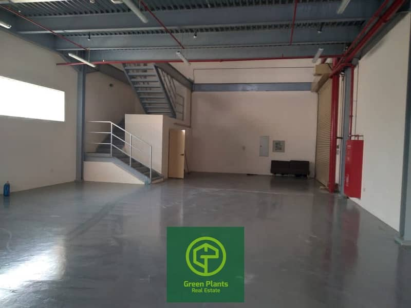 Al Qusais 3,500 sq. Ft warehouse with 35 KW electricity power built in toilet and pantry
