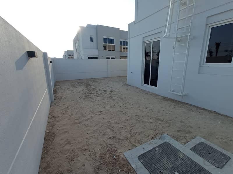 22 Amazing Single Row I 5 BR Detached Villa I Facing to Pool Park