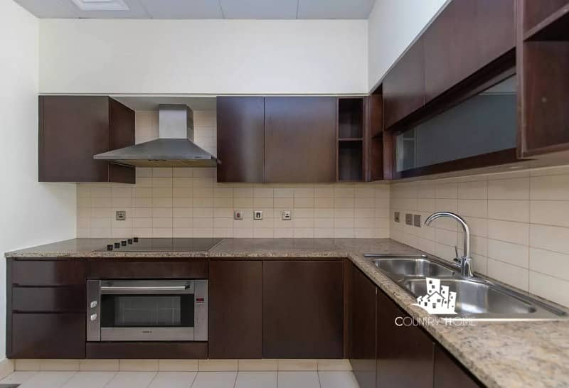 Lavish 2BR Apartment | Sea View | Modern Community