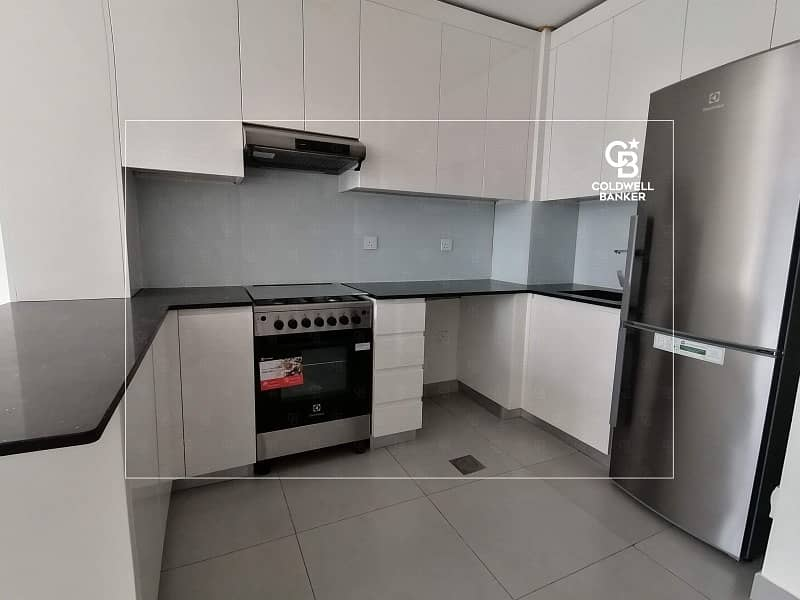 2 2 Beds + Store | Brand new | Kitchen goods