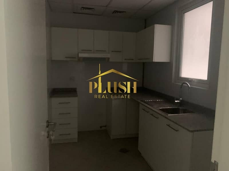 10 Brand New- Never stayed 1 Bed apartment at the heart of Dubai...