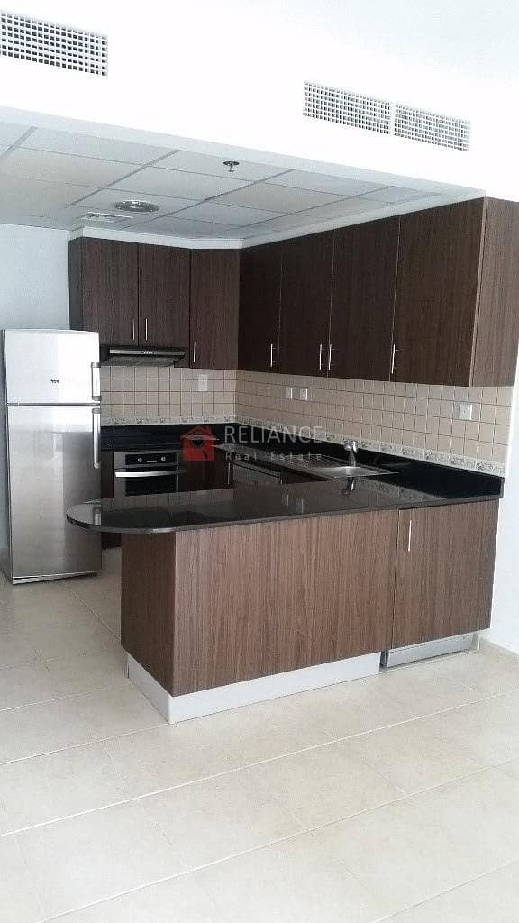 2 Marina View   High Floor   1BR  Equipped Kitchen