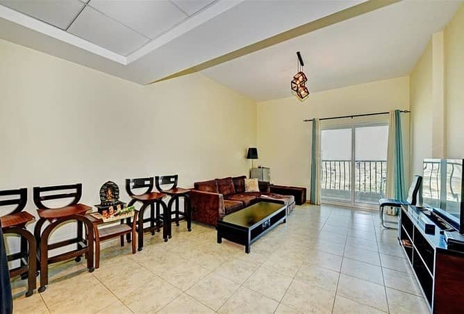 2 Vacant   Clean Apartment   With Balcony   1Bedroom