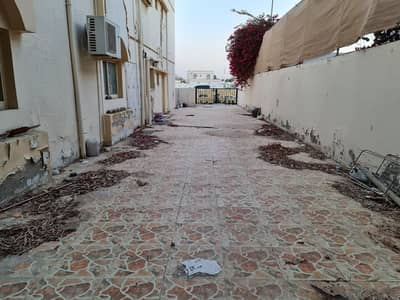 *** GREAT DEAL – Spacious 4BHK Duplex Villa available in Al Qadisia, Sharjah