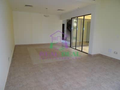 تاون هاوس 4 غرف نوم للايجار في مدن، دبي - 155k villa for rent white goods are included and the curtains are fitted